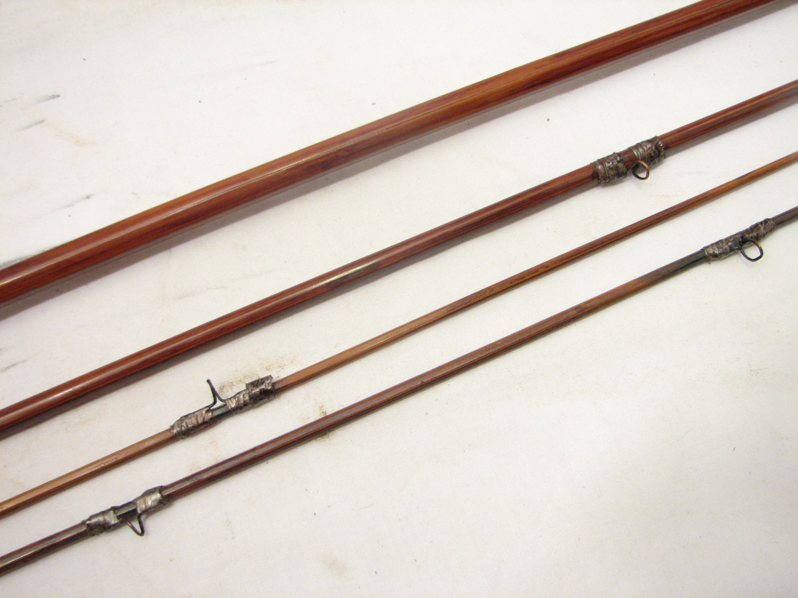 Vintage south bend 323 9 39 bamboo fly fishing rod fish ebay for Old fishing rods