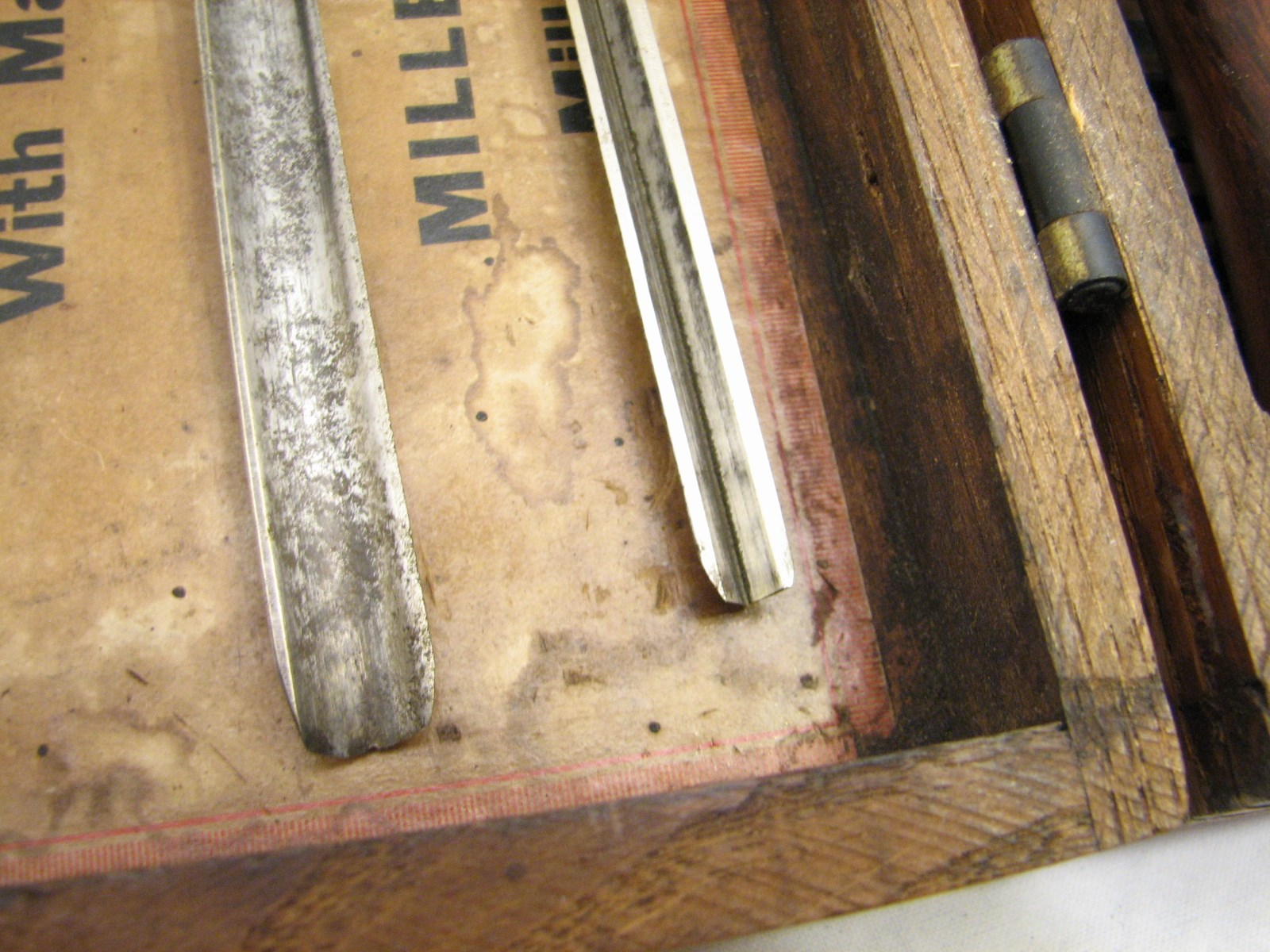 Rare set fine millers falls wood chip carving chisels