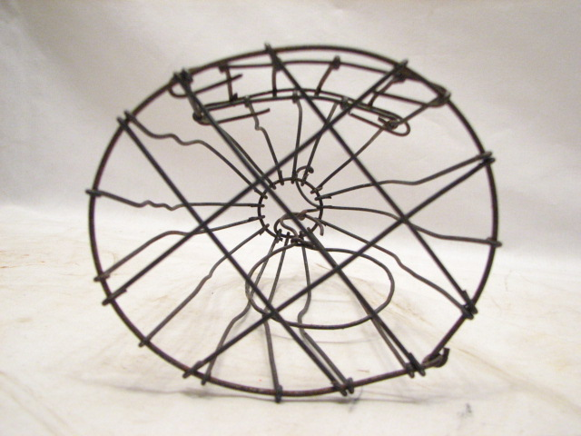 Early primitive hand made small wire bird animal cage for Petite cage a oiseaux decorative